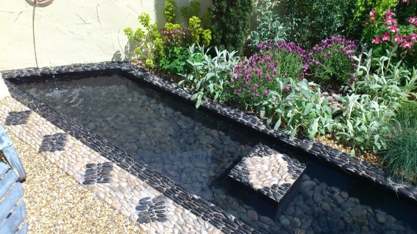 Water-rill-with-pebbles