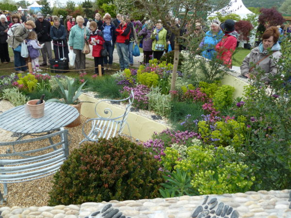 crowds-at-the-malvern-spring-show